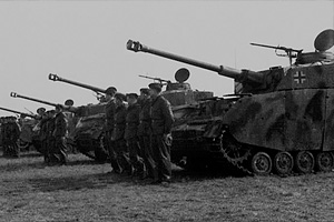 Немецкие танки корпуса Райнхардта перед маршем через Арденны