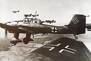 Немецкие штурмовики Ю-87 «Штука» над Францией