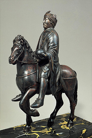 Статуэтка Карла Великого на коне (Лувр, Париж)
