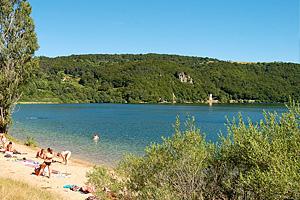 Горное озеро �ссарлес (Франция)