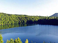 Озеро Гур де Тазена (Овернь, Пюи-де-Дом)