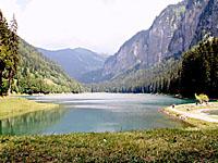 Озеро Монрьон (Рона-Альпы, Верхняя Савойя)