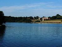 Озеро Ретеню де Рошро (Земли Луары, Вандея)