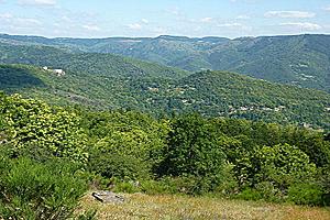 Холмистый рельеф Центральной Франции