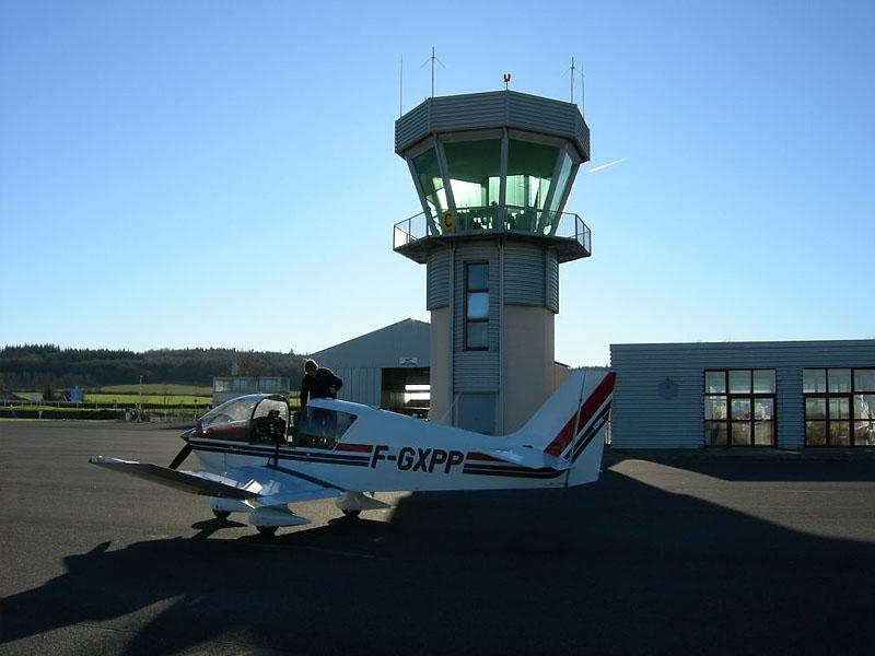 Аэродром Мийо-Ларзак (Aérodrome de Millau-Larzac)