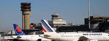 Авиабилеты в Марсель: поиск и бронирование
