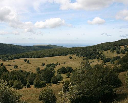 Гора Ле Труке д'Обрак (Les Truqués d'Aubrac) в департаменте Авейрон (Окситания)