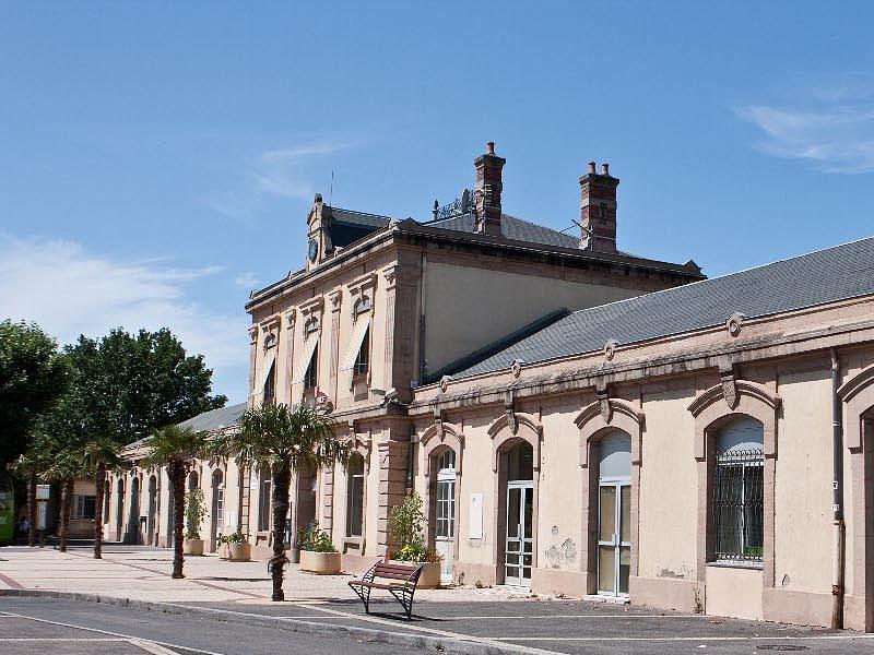 Автовокзал в городе Мийо: Gare de Millau
