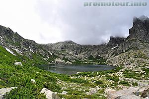 Горное озеро на Корсике