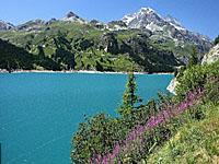 горное озеро Шевриль (Альпы)