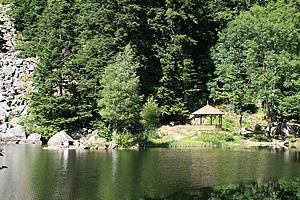 Беседка на озере Фишбёдль (Эльзас)