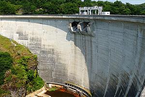 плотина Барраж-де-Мори (озеро Мори, Юг-Пиренеи, Авейрон)