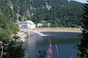Сброс воды на озере Нуар (Эльзас)