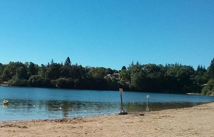 Озеро Пон-де-Салар (Lac de Pont-de-Salars)