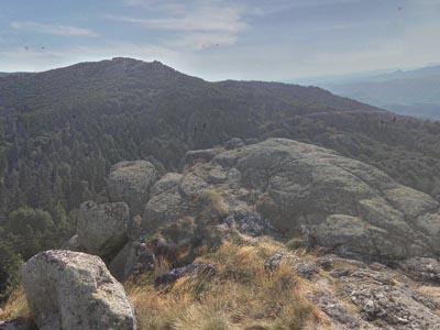 Гора Роше де Сен-Гираль (Rocher de Saint-Guiral)
