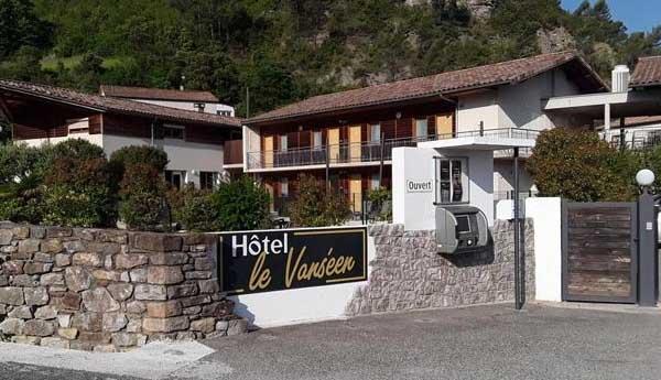 Отель Hotel Le Vanséen (Ле-Ван, Франция)