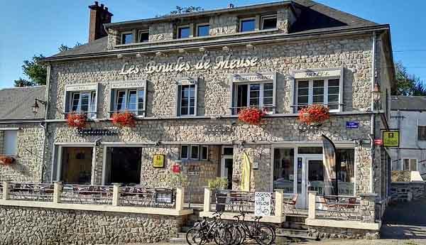 Отель Les Boucles de Meuse 2* (Монтерме, Франция)