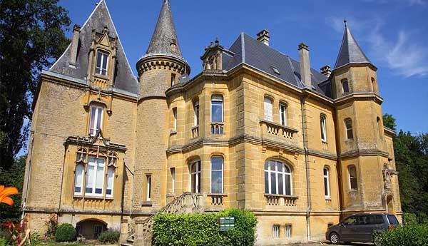 Апартаменты Château De Bellevue 2* (Глэр-э-Виллет, Франция)