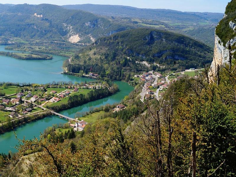 Долина в месте слияния рек Эн и Бьен (Франция)