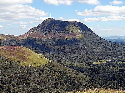 Центральный массив, Франция. Гора Пюи де Дом (1465 м)