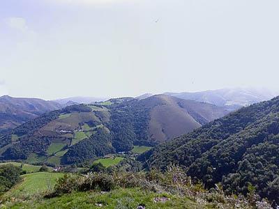 Западные Пиренеи, Франция. Предгорья у Лик-Атере (Licq-Athérey)