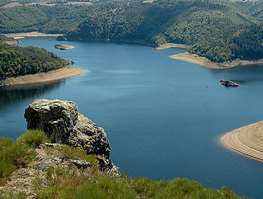 Озеро Барраж-де-Гранваль (Lac du Barrage de Grandval)