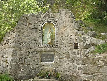 Монумент в честь погибших энергетиков (озеро Нуар)
