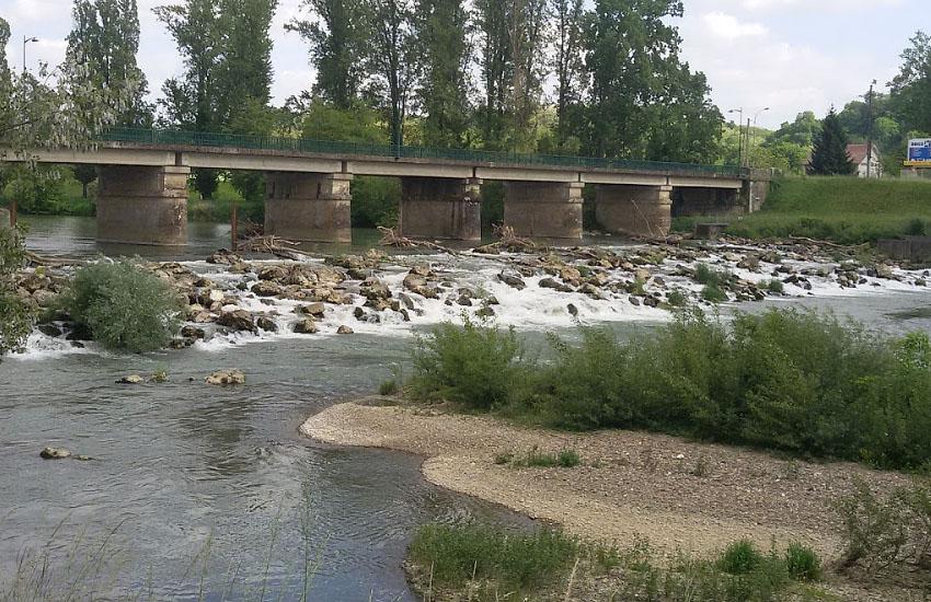 Река Адур (Adour) в среднем течении