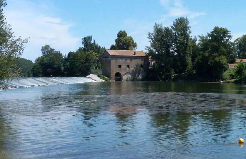 Река Авейрон перед впадением в реку Тарн