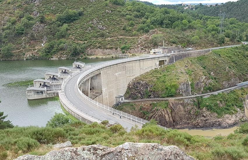 Гидрологическая характеристика Луары: плотина Гранжан (Barrage de Grangent)
