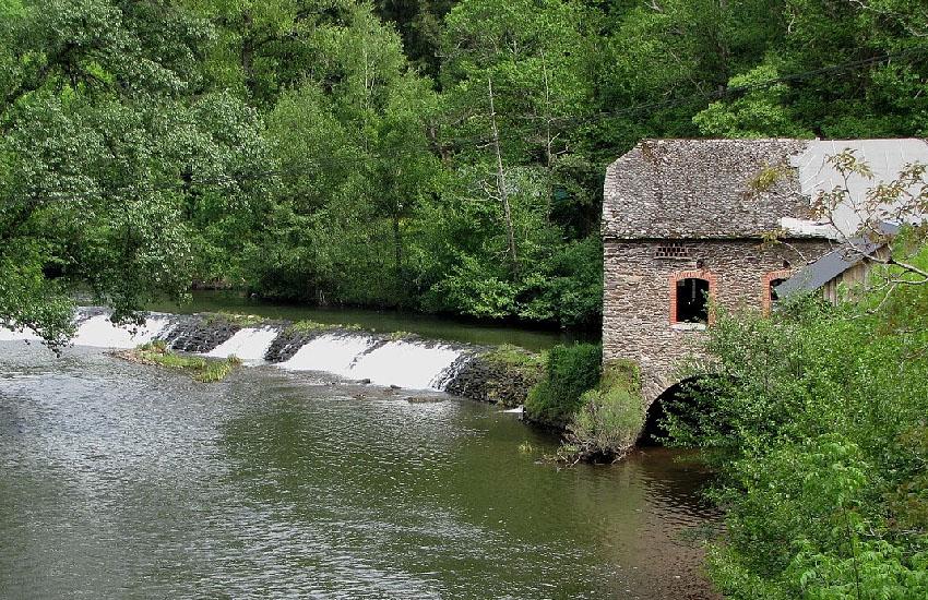 Река Вьор (Viaur) в нижнем течении
