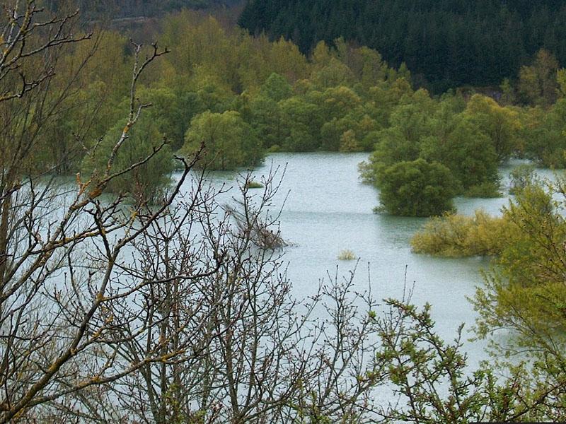 Река Орб (Orb) в верхнем течении: разлив