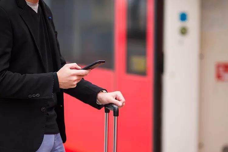 НАЦ�ОНАЛЬНАЯ КОМПАН�Я ФРАНЦУЗСК�Х ЖЕЛЕЗНЫХ ДОРОГ SNCF ОБНОВ�ЛА СВОЕ МОБ�ЛЬНОЕ ПР�ЛОЖЕН�Е