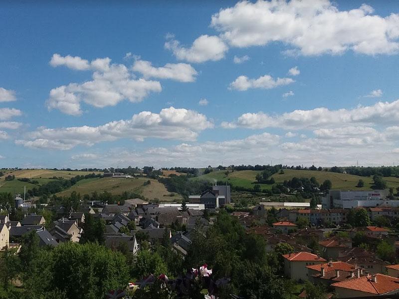 Оне-ле-Шато (Onet-le-Chateau): панорама города