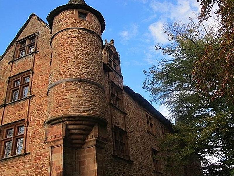 Замок Шато де Каняк (Château de Canac) в Оне-ле-Шато