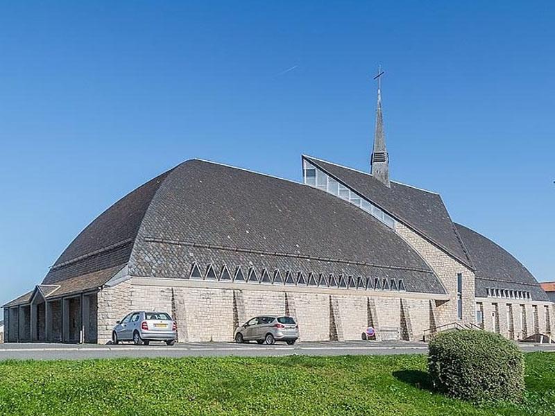 Церковь Святого �осифа Артисанского (Église Saint-Joseph-l'Artisan) в Оне-ле-Шато