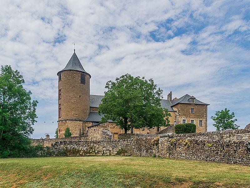 Замок Оне-ле-Шато (Onet-le-Chateau)